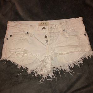 Free People - We The Free frayed white jean shorts